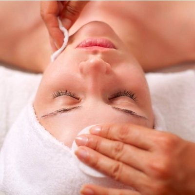 Acne Facial at Etiket