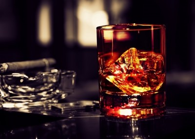 whisky_ice_cigar-wallpaper-2048x1152